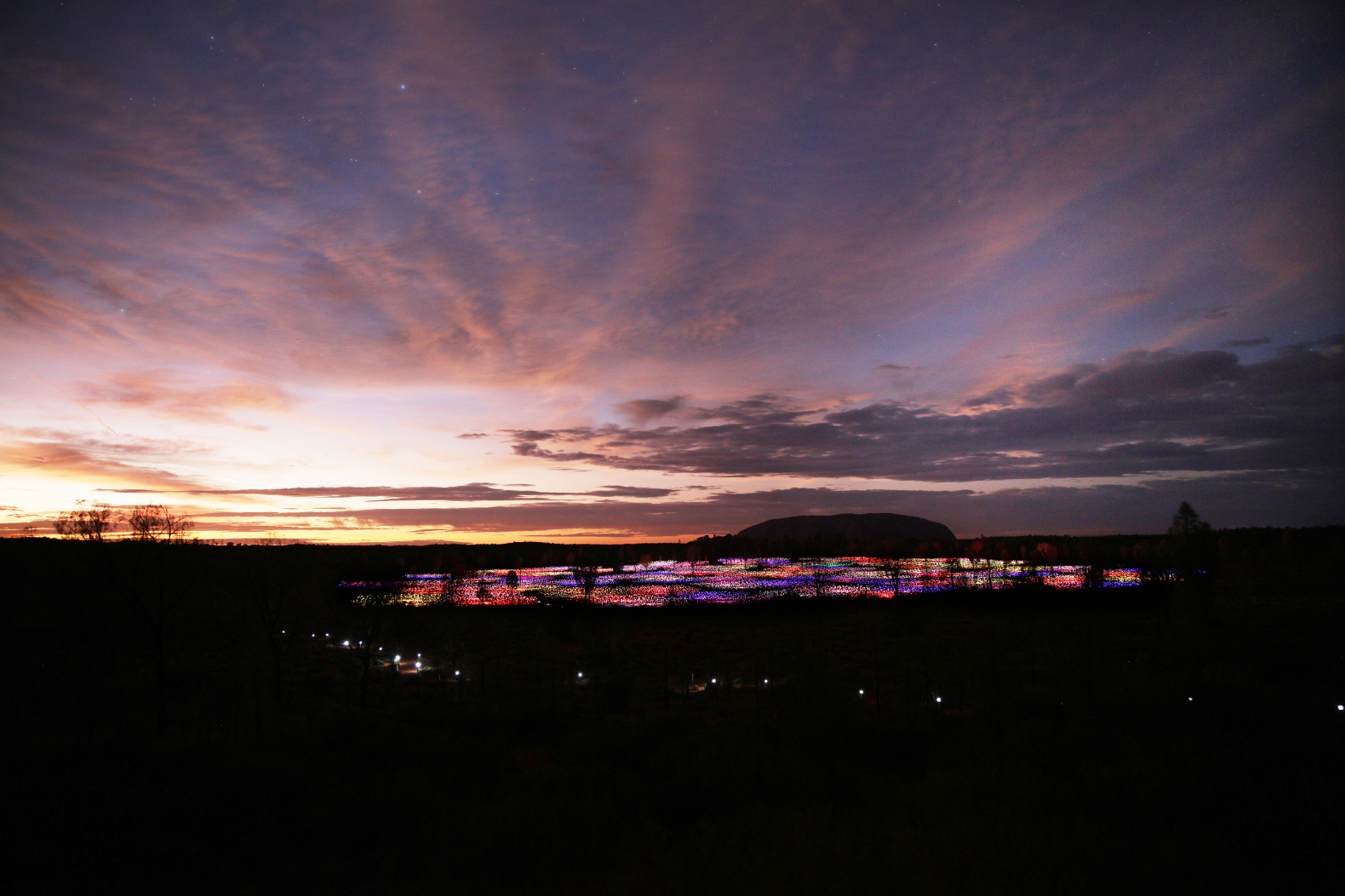 Bruce Munro, Field of Light, Uluru (aprile 2016 - marzo 2017)