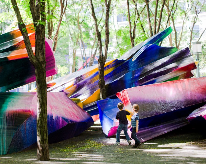 Katharina Grosse, Just the Two of Us, Metrotech Commons Plaza, Brooklyn (2013-2014)