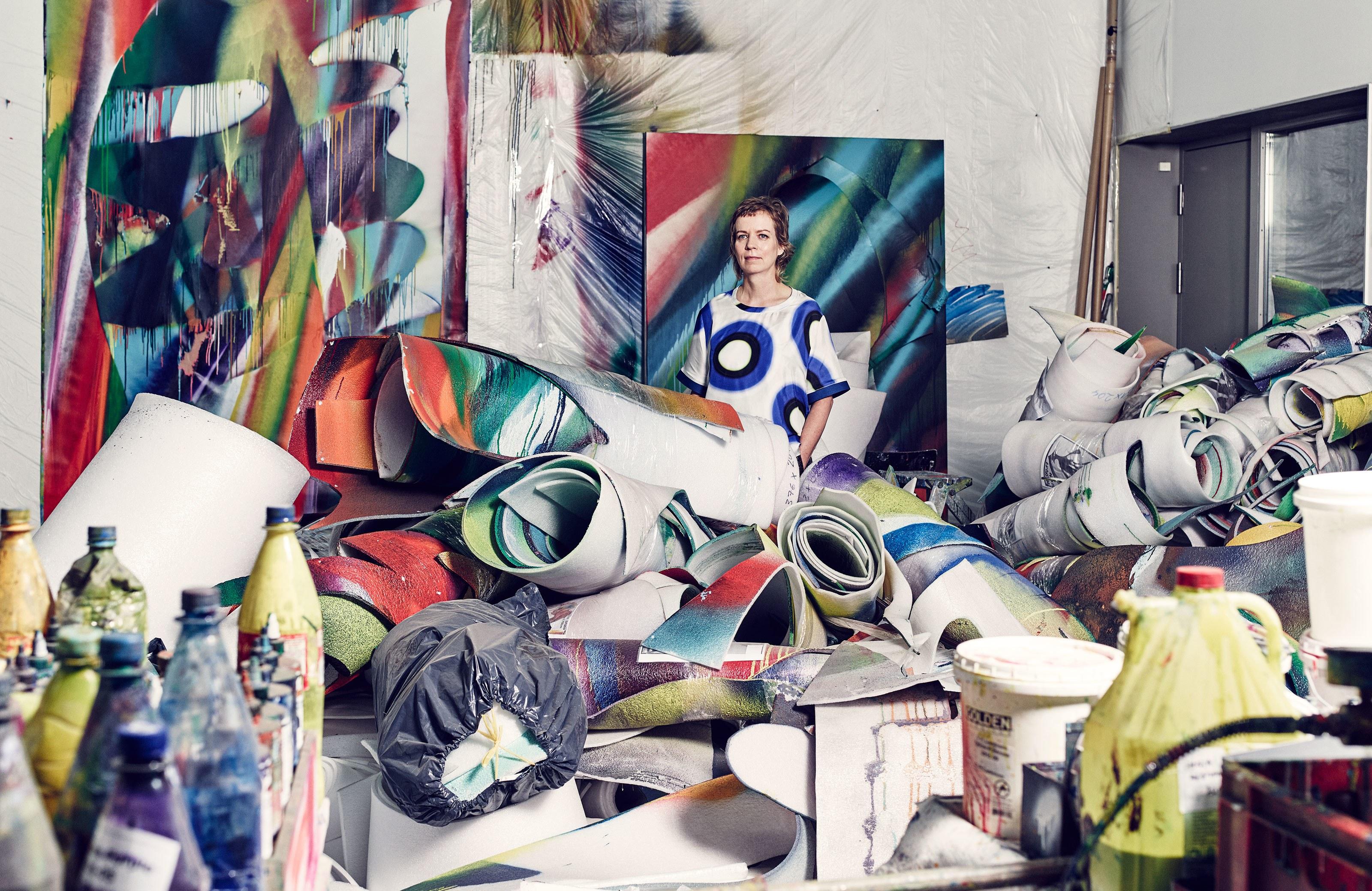 Katharina Grosse nel suo studio, Berlino (2016)