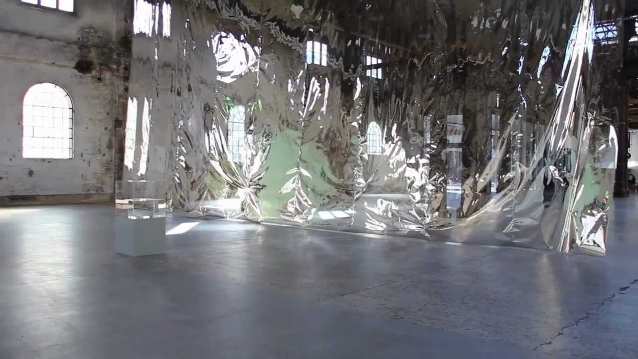 Ann Veronica Janssen, Superficie riflettente, 18th Biennale di Sydney (2012)